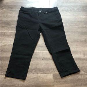 H&M black capri jeans